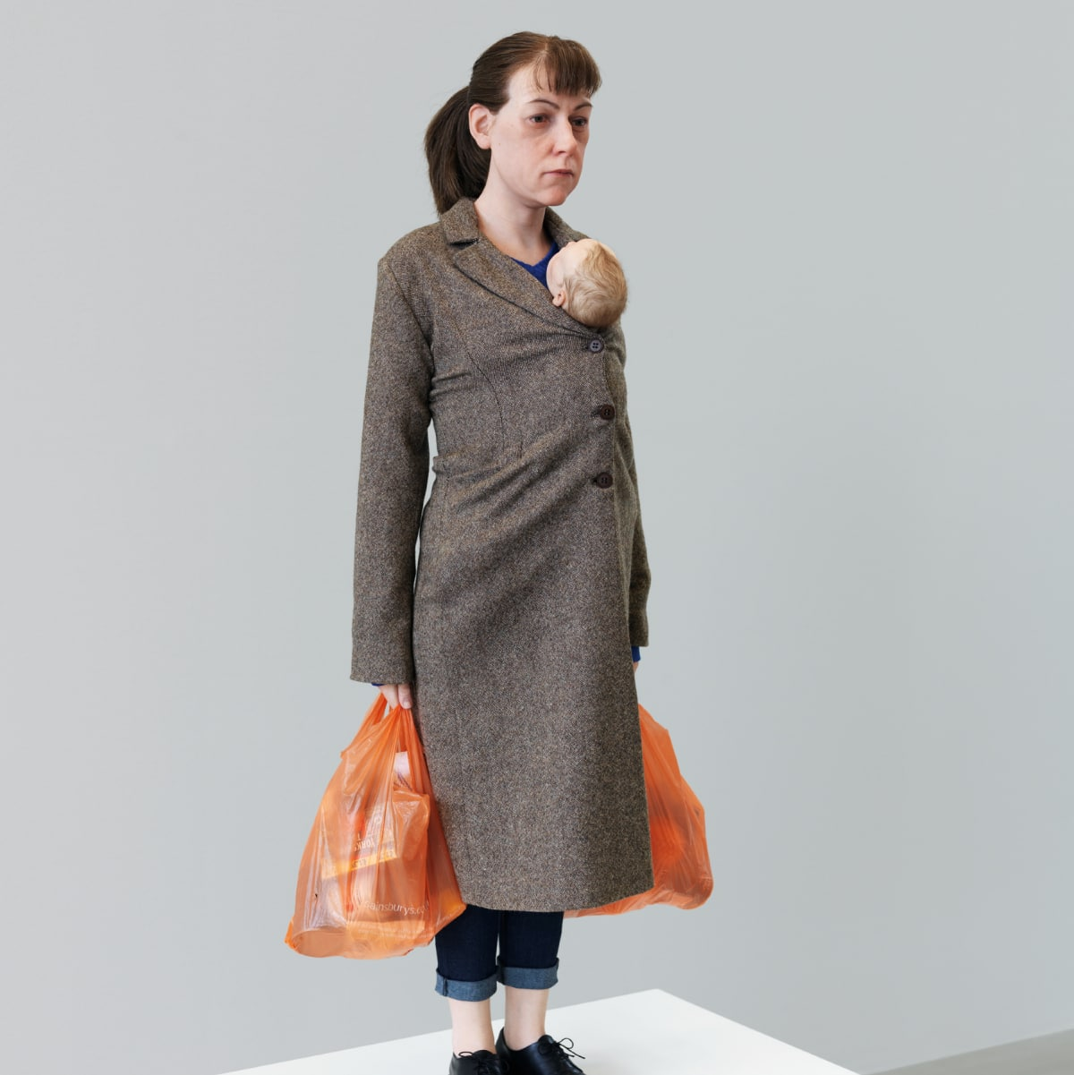 Ron Mueck: Woman with Shopping
