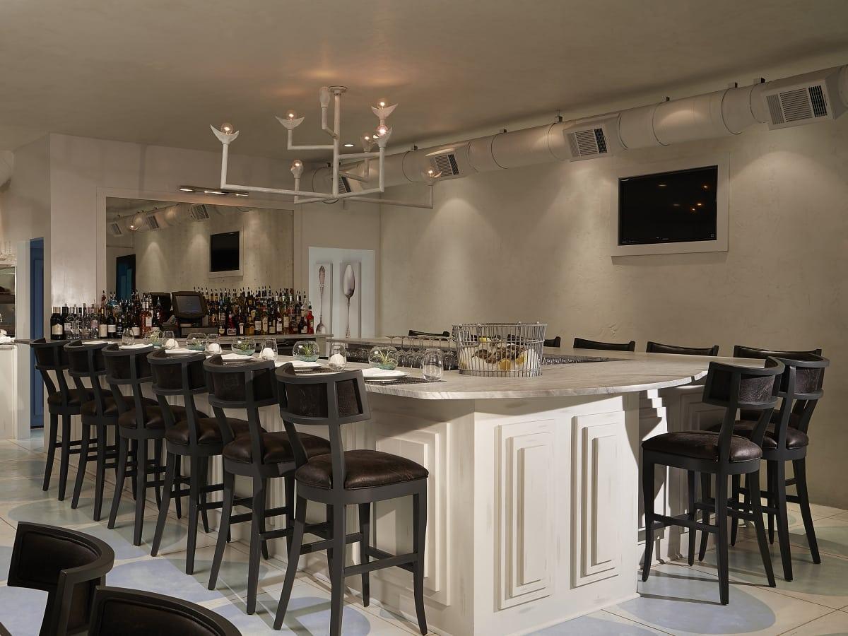 John tesar 39 s award winning spoon restaurant moves into for Q kitchen bar san antonio