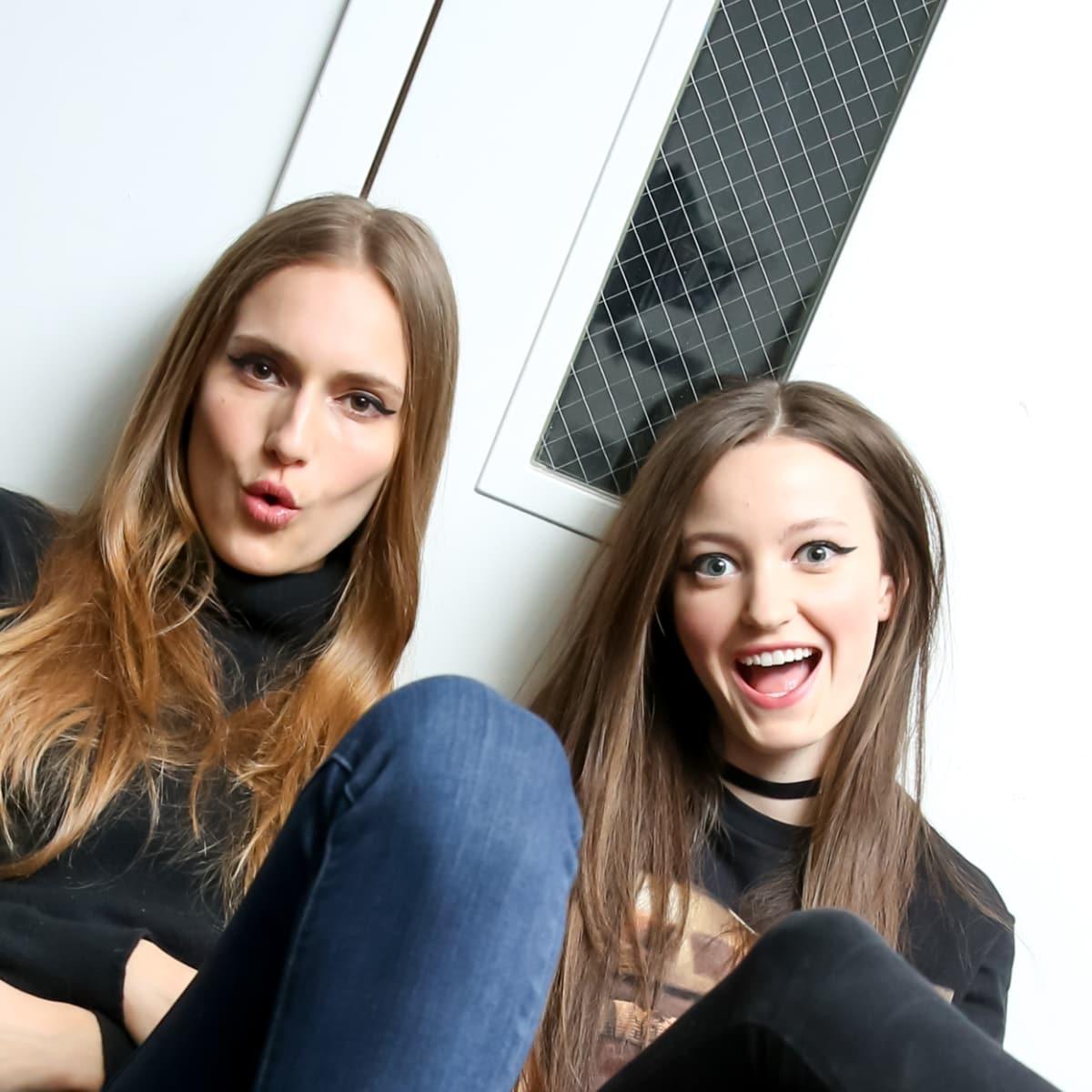 Nicole Miller fall 2016 runway show models backstge
