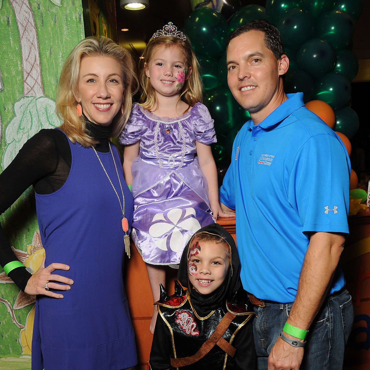MD Anderson Halloween at the Galleria Cathy, Lauren, Hudson and David Herr