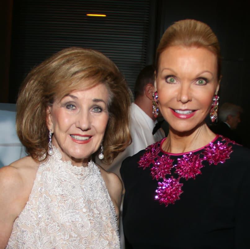 Doris Jacobs, Joyce Fox