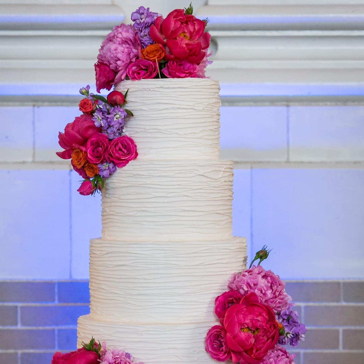 Monica Kitt Wedding, Cake