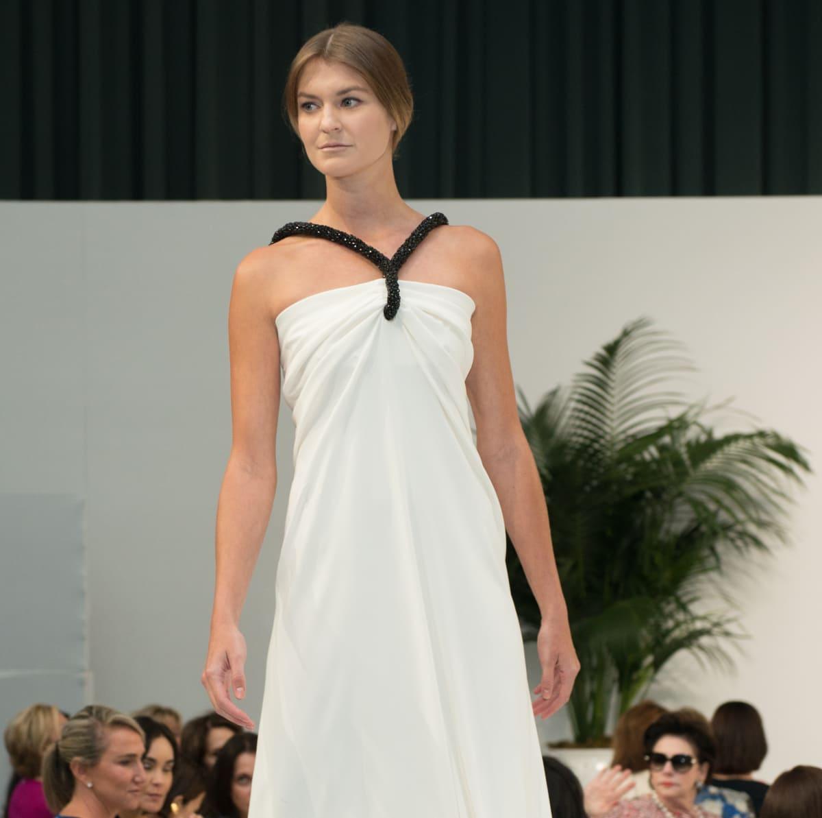 Oscar de la Renta 2018 resort collection white gown