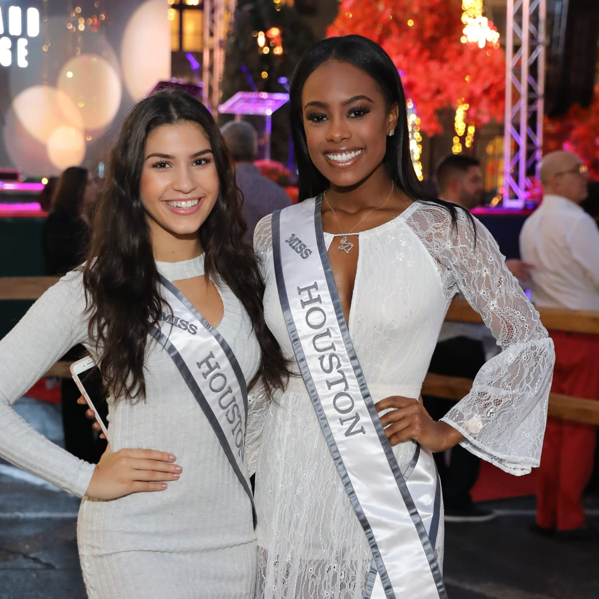 Miss Teen Houston 2017 Yasmine Moussa, Miss Houston Hannah Johannes at Holiday Shopping Card