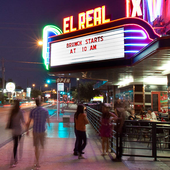 News_El Real Tex-Mex Cafe_night, sign
