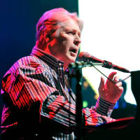 Brian Wilson The Beach Boys solo tour 2015