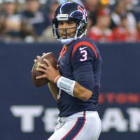 Tom Savage pocket Texans 49ers