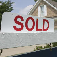 sold sign, house sold
