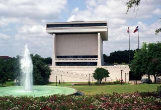 Austin Photo Set: News_Lynn Freehill_LBJ library redesign_Dec 2011_exterior