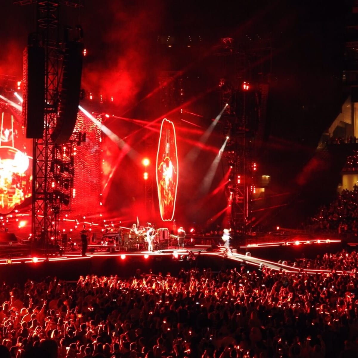 The Coldplay oncert was a feast of color