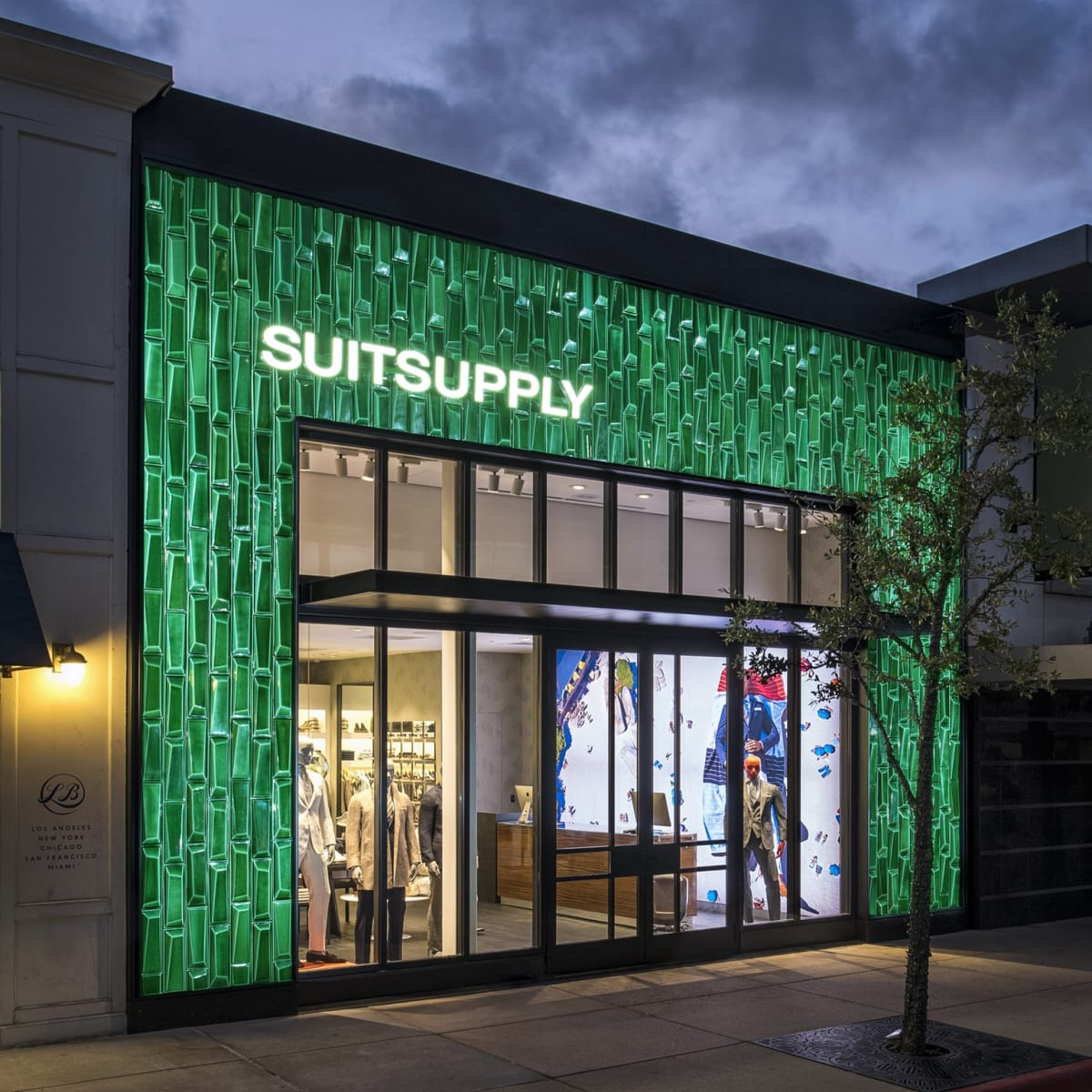 Suitsupply Woodlands store