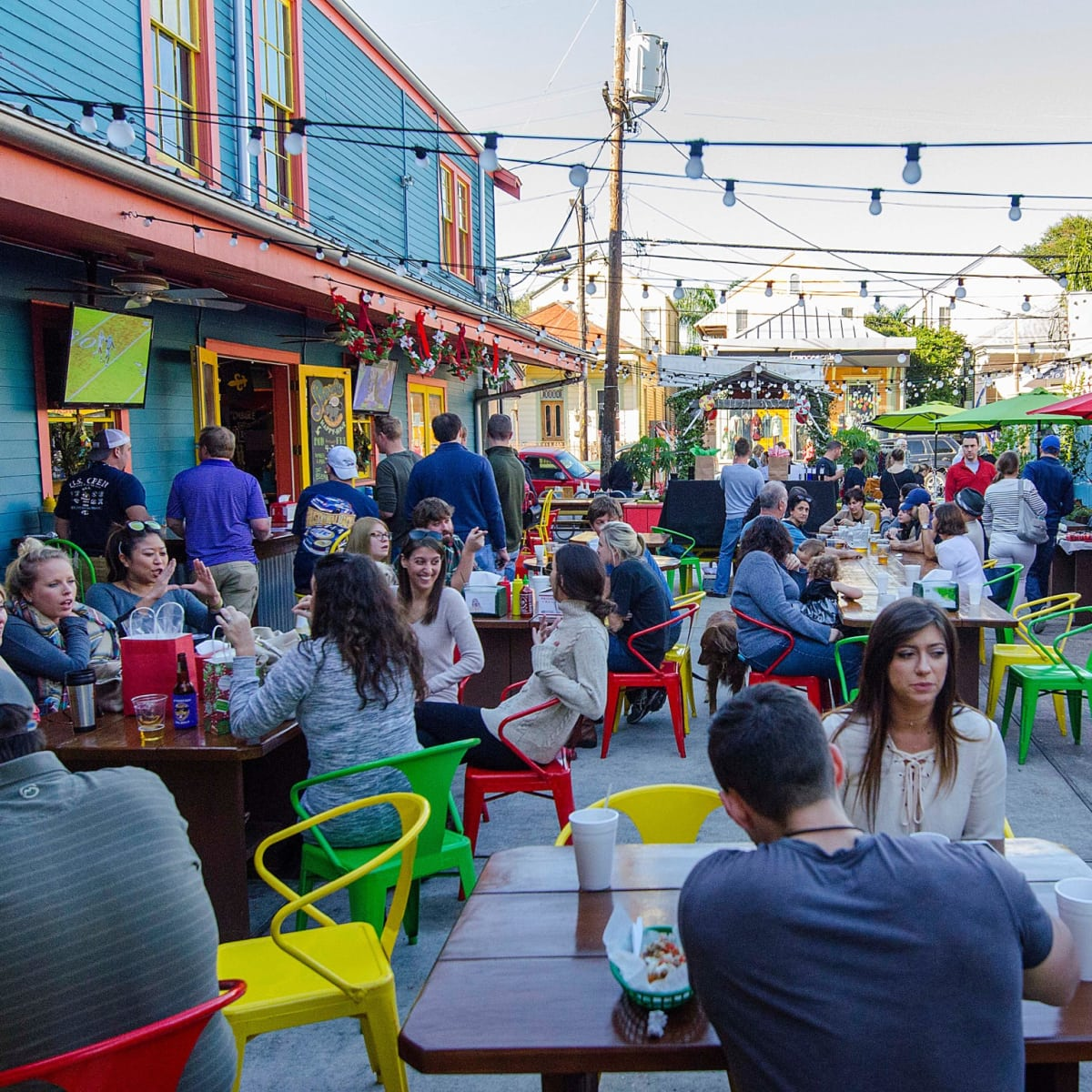 Dat Dog New Orleans Magazine Street exterior patio
