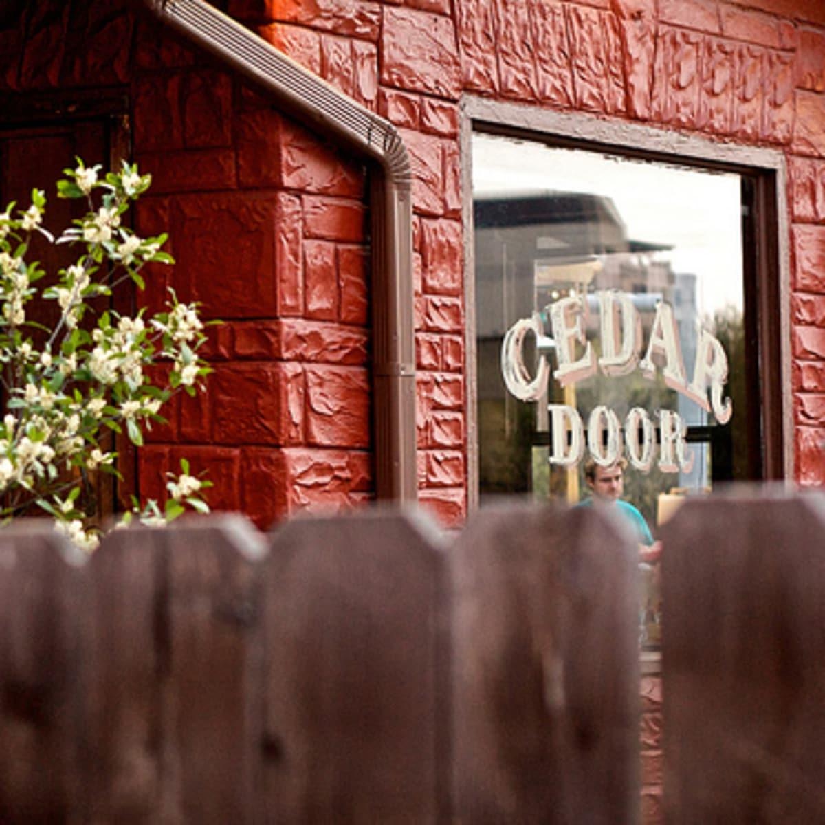 Austin_photo: places_food_cedar_door_exterior