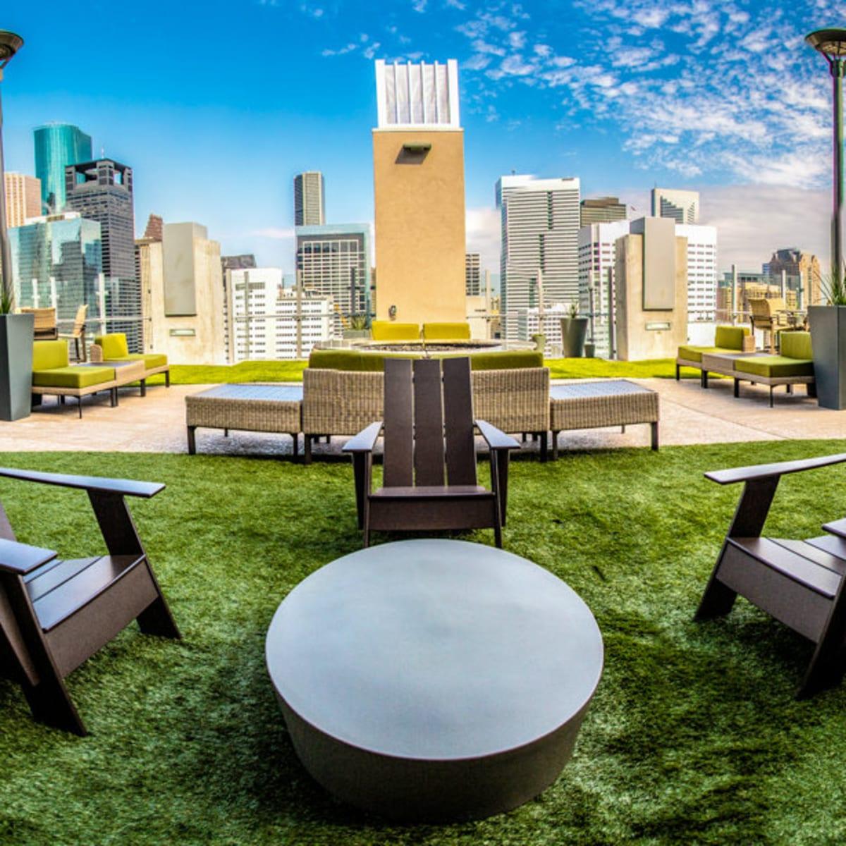 SkyHouse Houston patio
