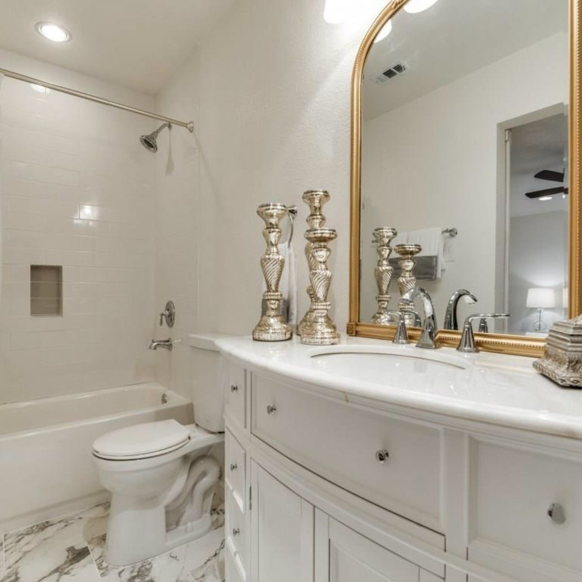 1639 Homewood Pl Dallas house for sale master bathroom