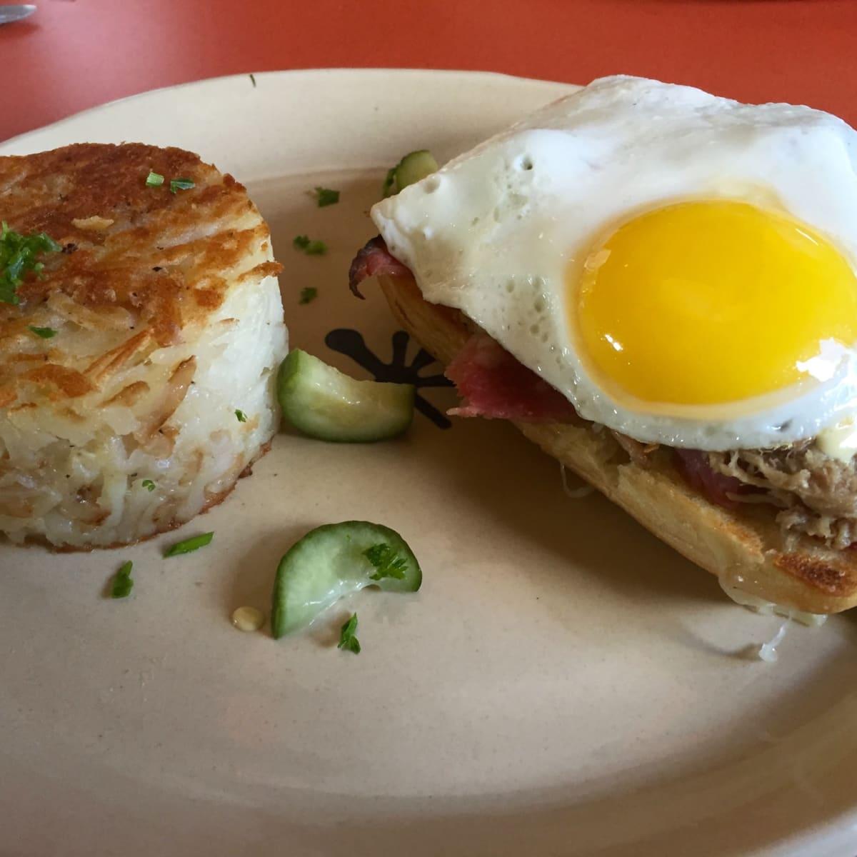 Snooze Montrose breakfast sandwich