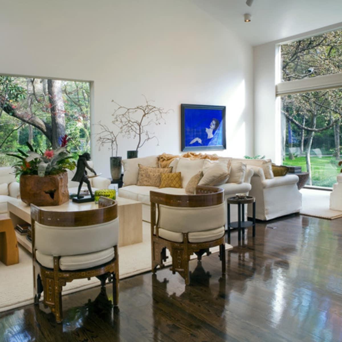 Oglesby living area