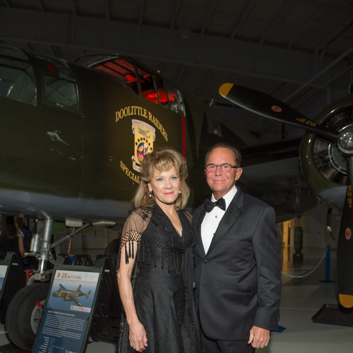 Lone Star Flight Museum gala 5/16 Lisa Simon, Jerry Simon