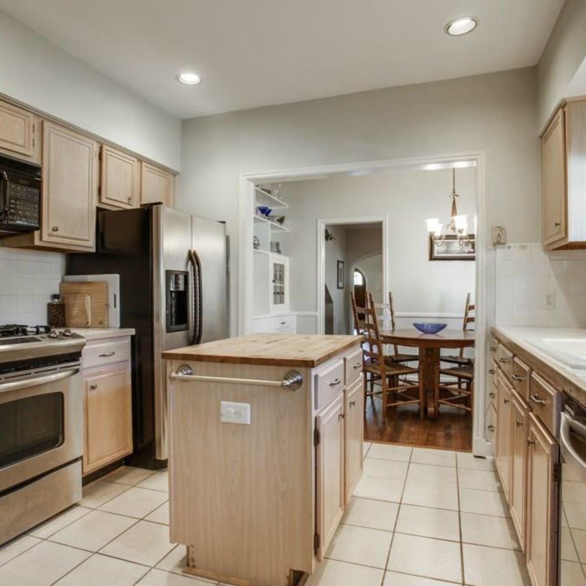 522 Monte Vista kitchen