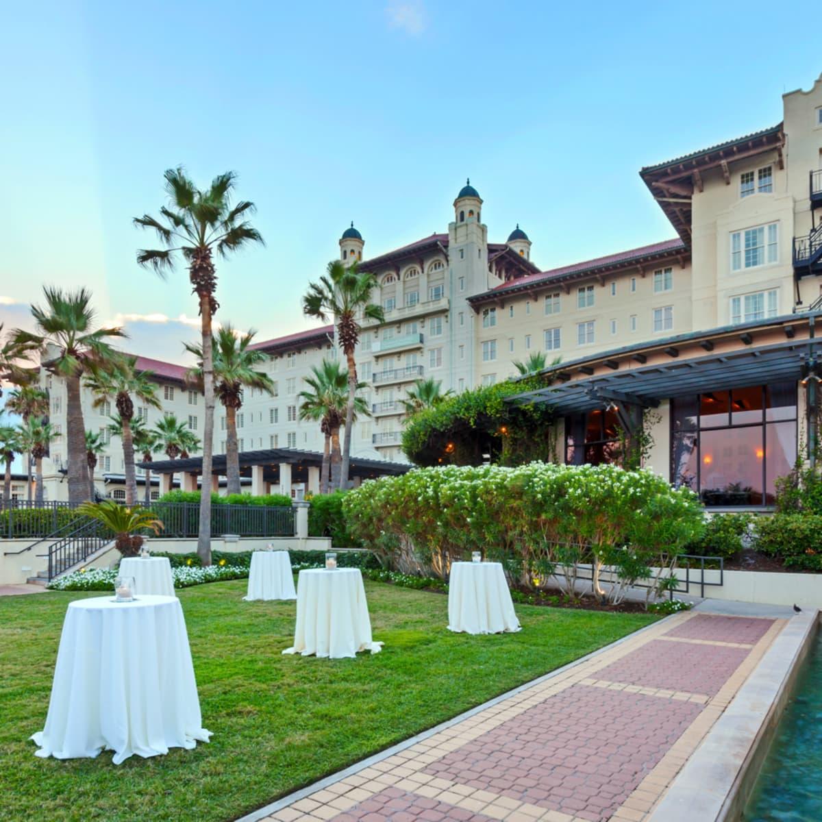 Hotel Galvez Oleander Garden wedding reception