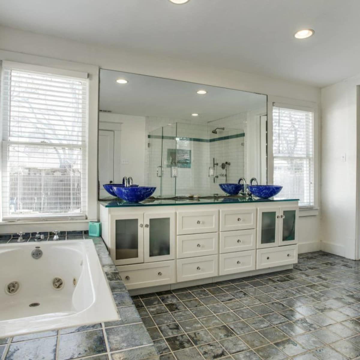 118 N. Winnetka master bathroom