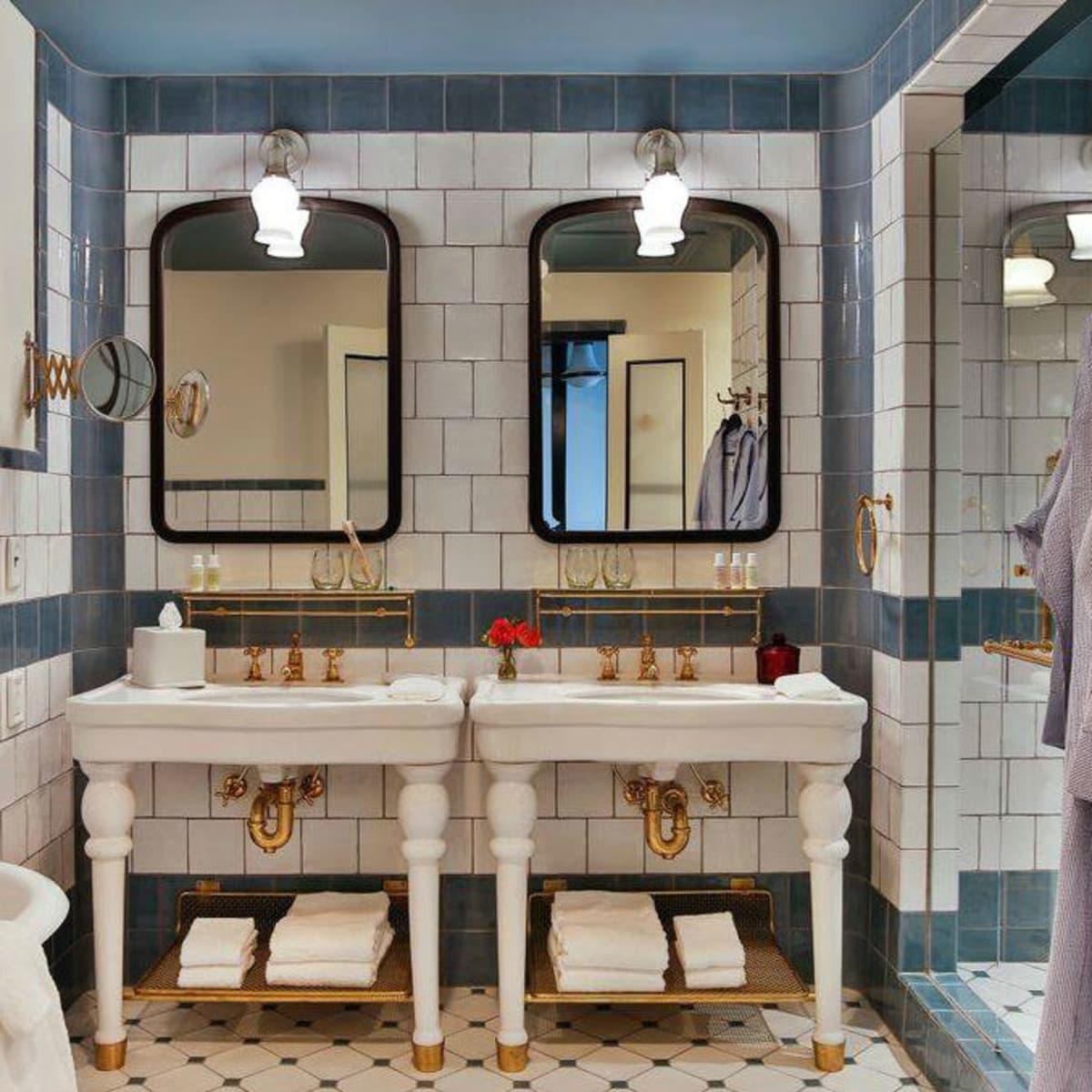 Hotel Emma bathroom