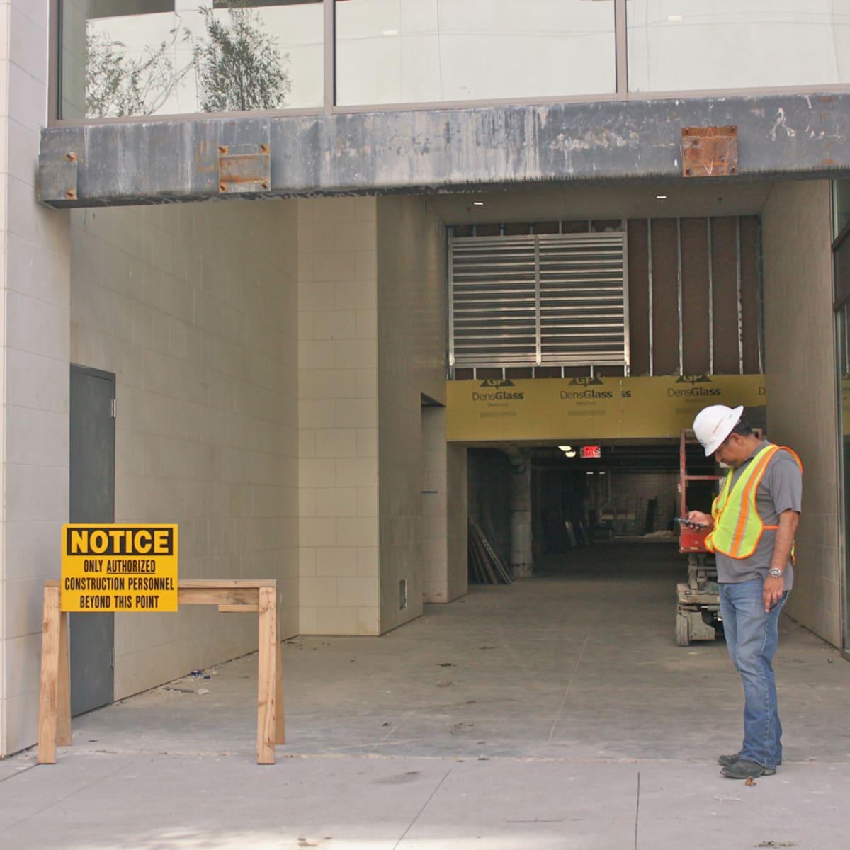 Tom Ford robbery garage entrance
