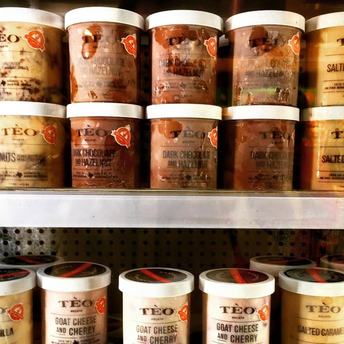 Teo Gelato product shelves brand