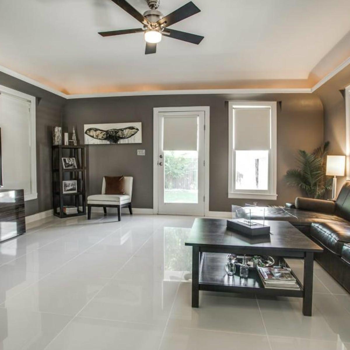 Living room at 114 N. Edgefield in Dallas