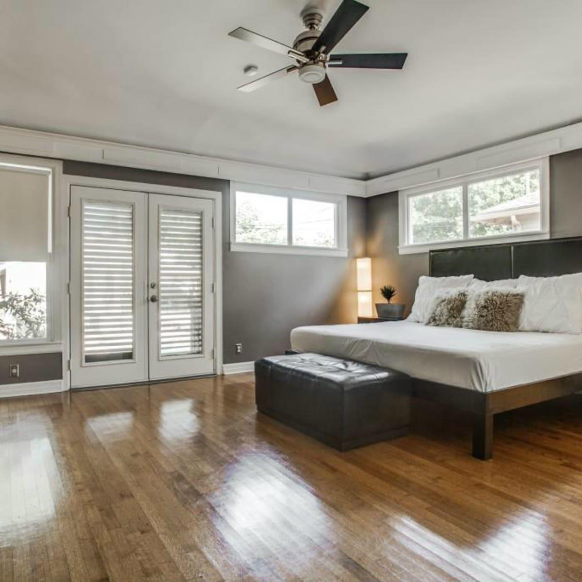 Master bedroom at 114. N Edgefield in Dallas