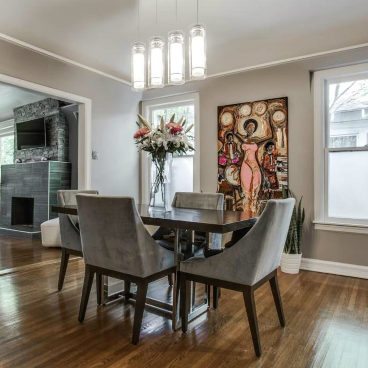 Dining room at 114 N. Edgefield in Dallas