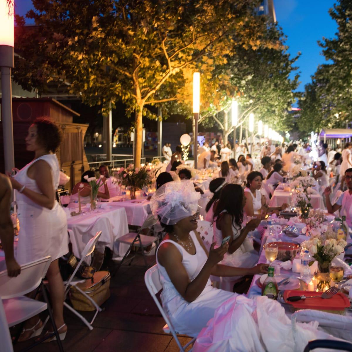 Houston, Diner en Blanc, June 2015, night shot