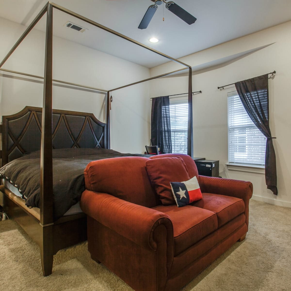3200 Ross Ave in Dallas master bedroom
