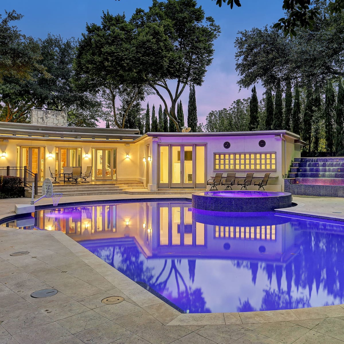 1000 Kirby exterior with pool different angle