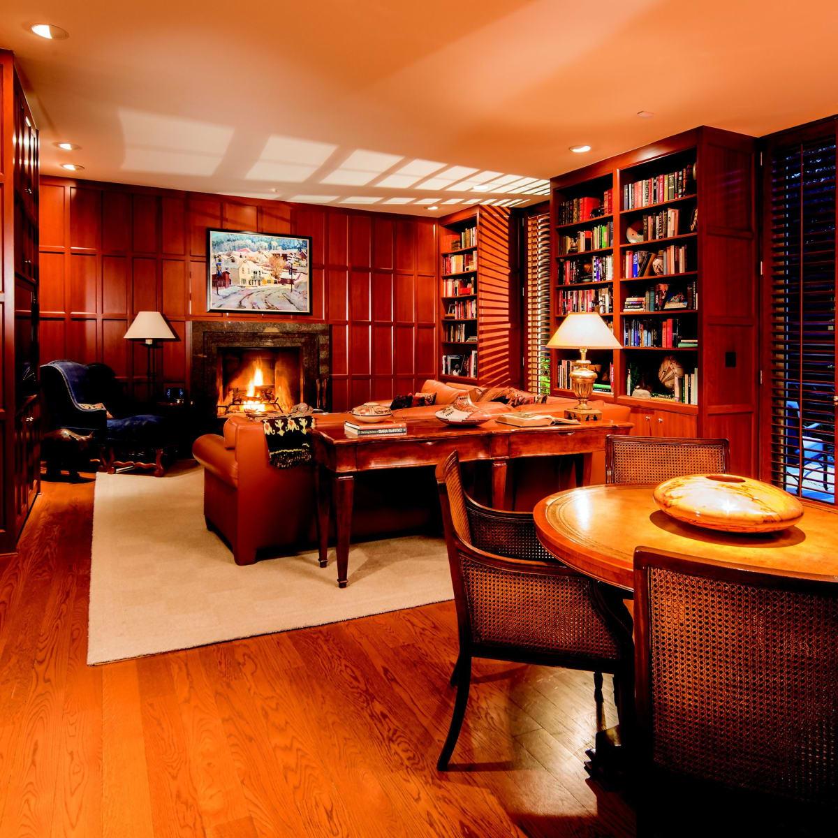 2930 Lazy Lane library