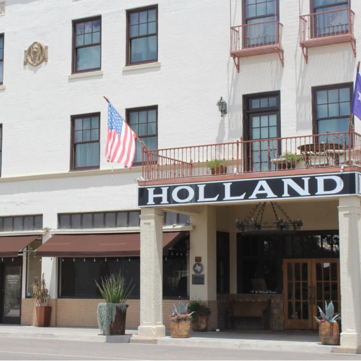 The historic Holland Hotel in Alpine