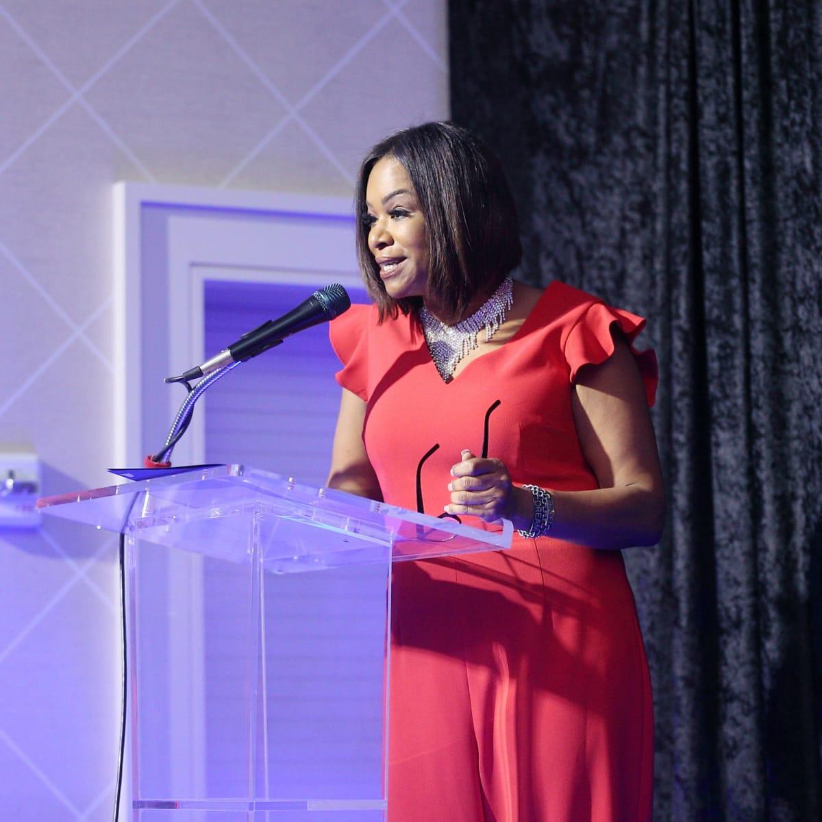 Deborah Duncan at podium