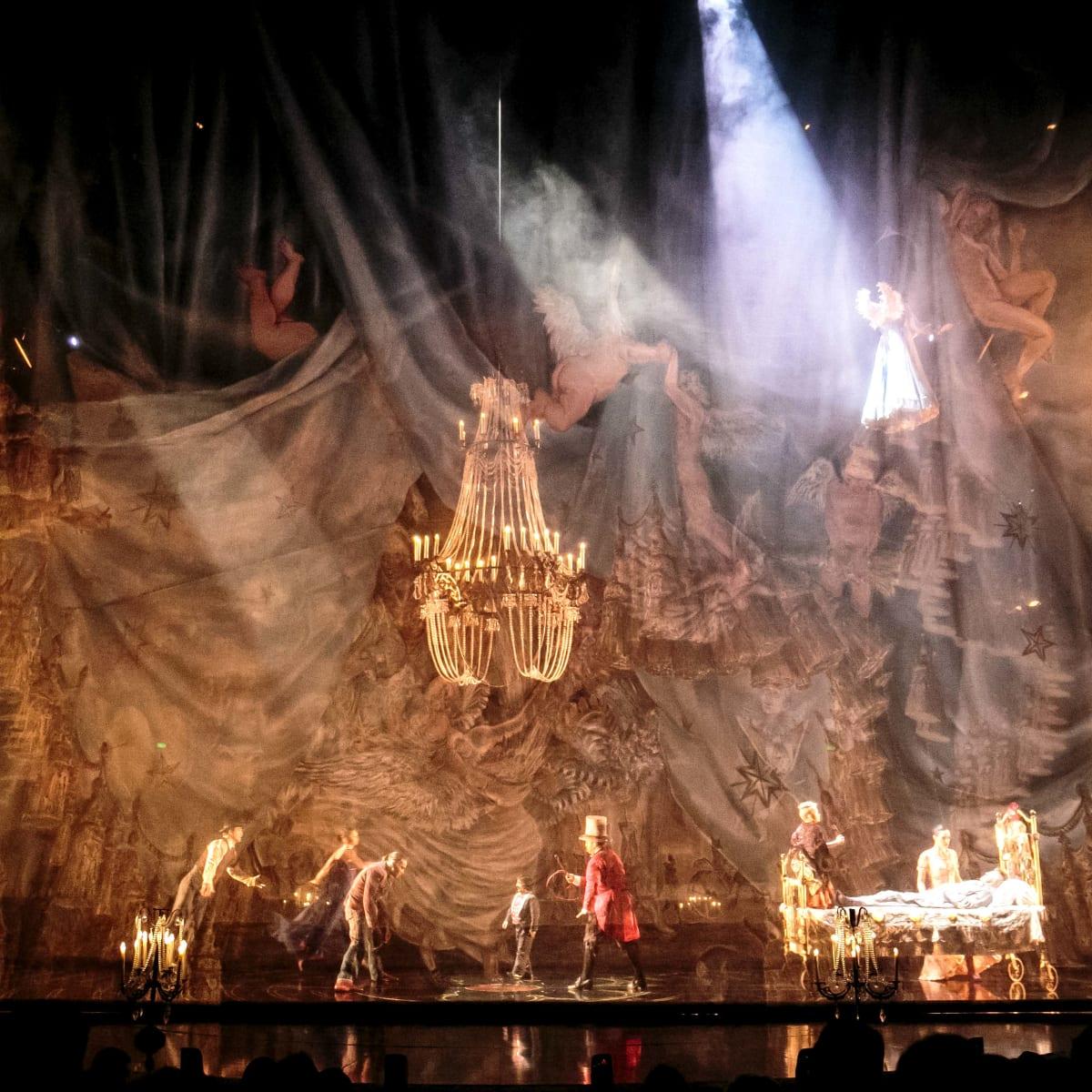Cirque du Soleil - Corteo - opening act
