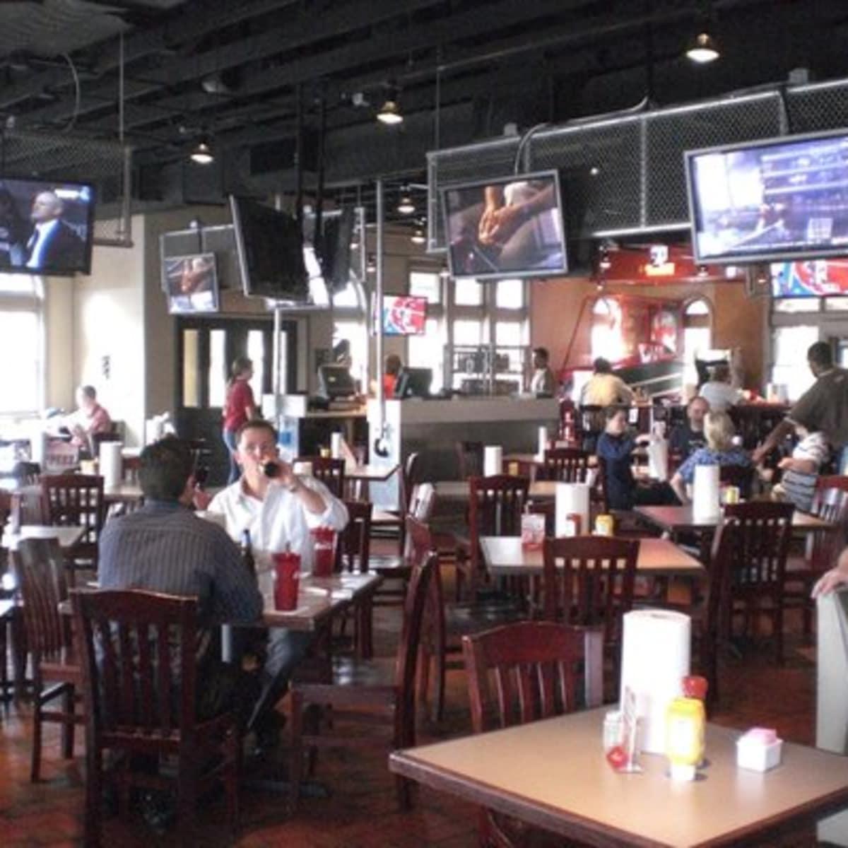 Austin Photo: Places_food_pluckers_lamar_interior