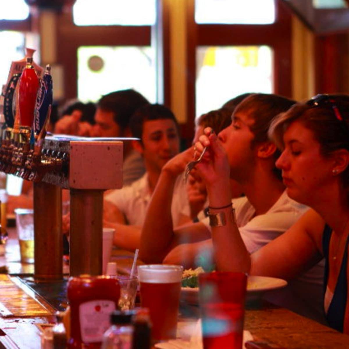 Austin_photo: places_food_the tavern_interior