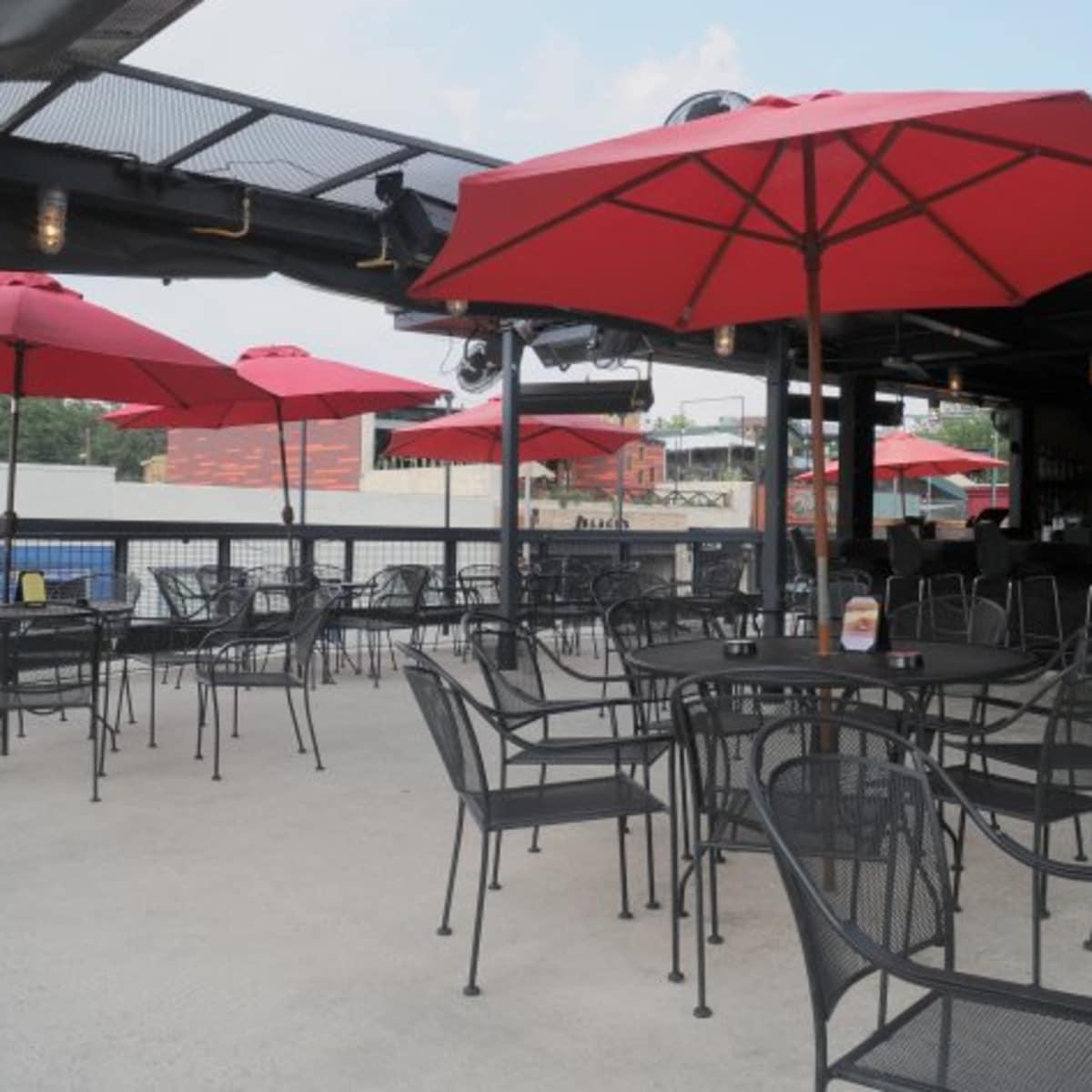 Austin_photo: places_drinks_molotov_roof