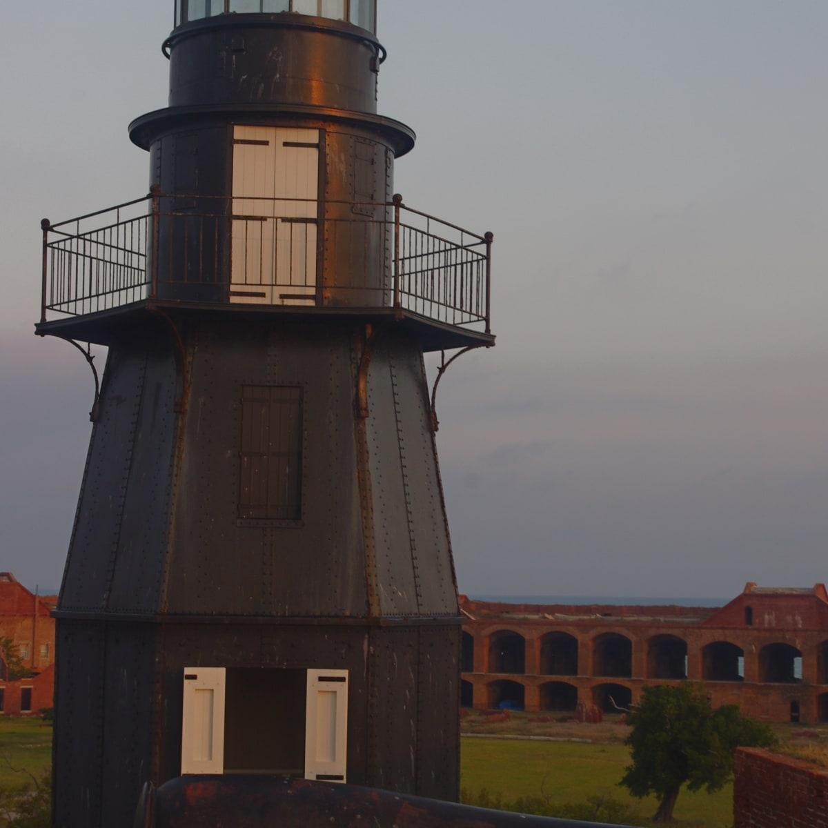 tortugas_lighthouse