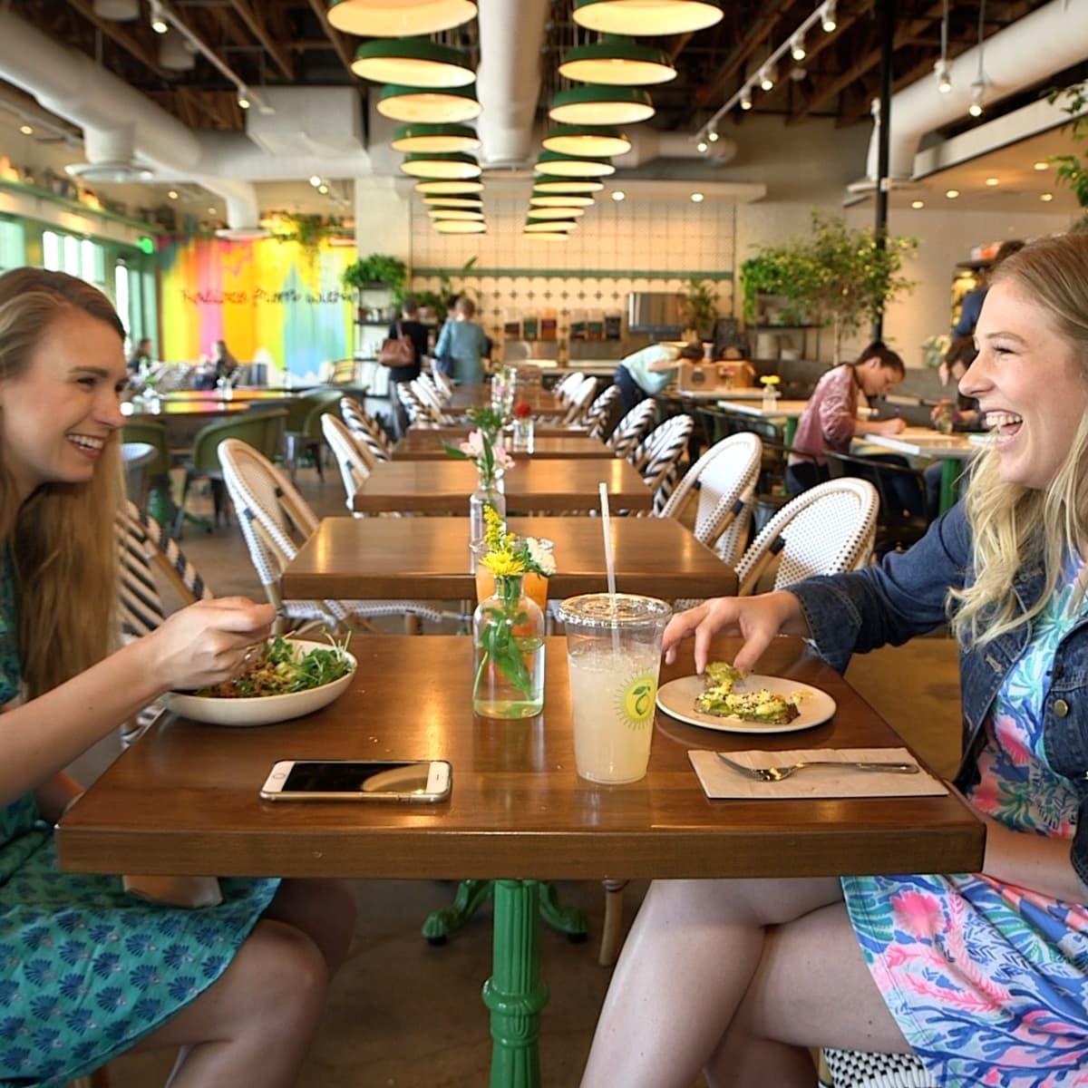 Dallasites101 eating at Flower Child
