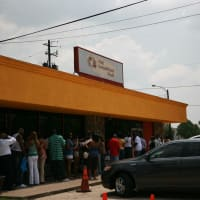 Places-Eat-The Breakfast Klub-exterior-with crowd-1