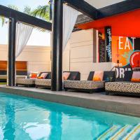 Houston, Hotel Pools, Hotel Derek, July 2015