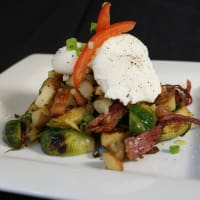 Hit Hat Public House Austin restaurant bar brunch corn beef hash