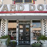 Austin photo: Places_Arts_Yard_Dog_Gallery_Exterior