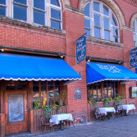 Austin_photo: places_food_oldpecanstreetcafe_exterior