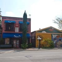 Places-Eat-Irma's-exterior-1