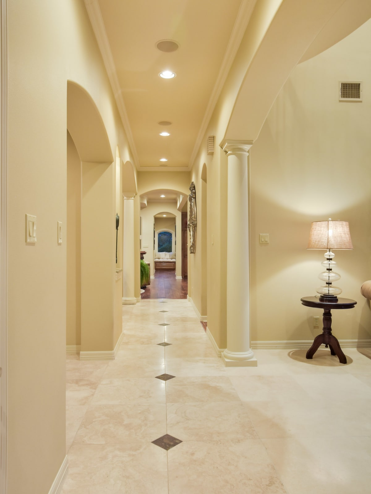 3001 Pescadero Austin house for sale hallway